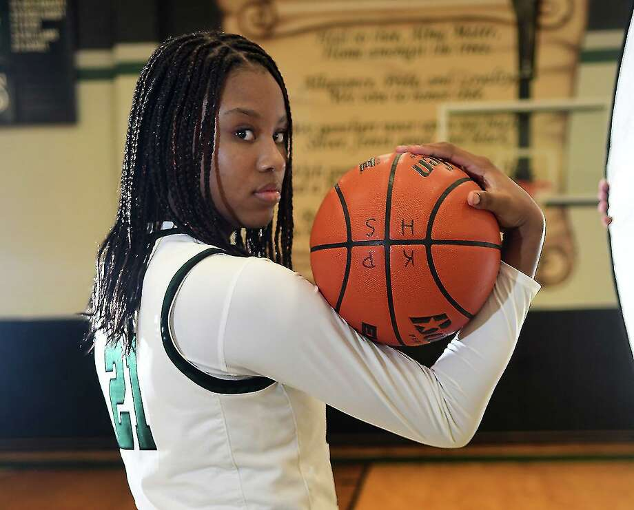 Kingwood Park freshman Biva Byrd poses for a mid-season portrait in the gym at KPHS on Jan. 15, 2020. Photo: Jerry Baker, Houston Chronicle / Contributor / Houston Chronicle