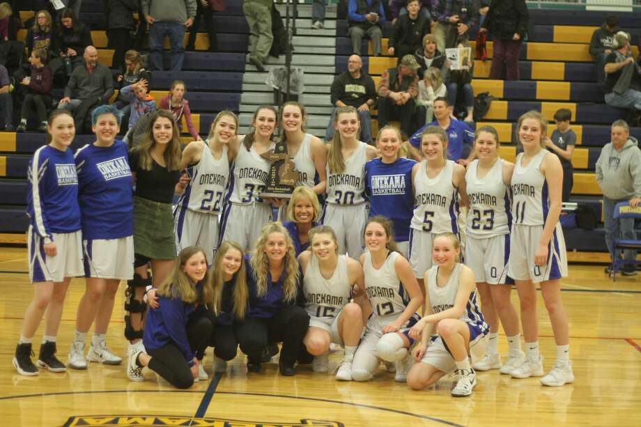 The Onekama girls basketball team topped Frankfort for a Division 4 district championship on Friday, March 6, 2020. Photo: Kyle Kotecki/News Advocate