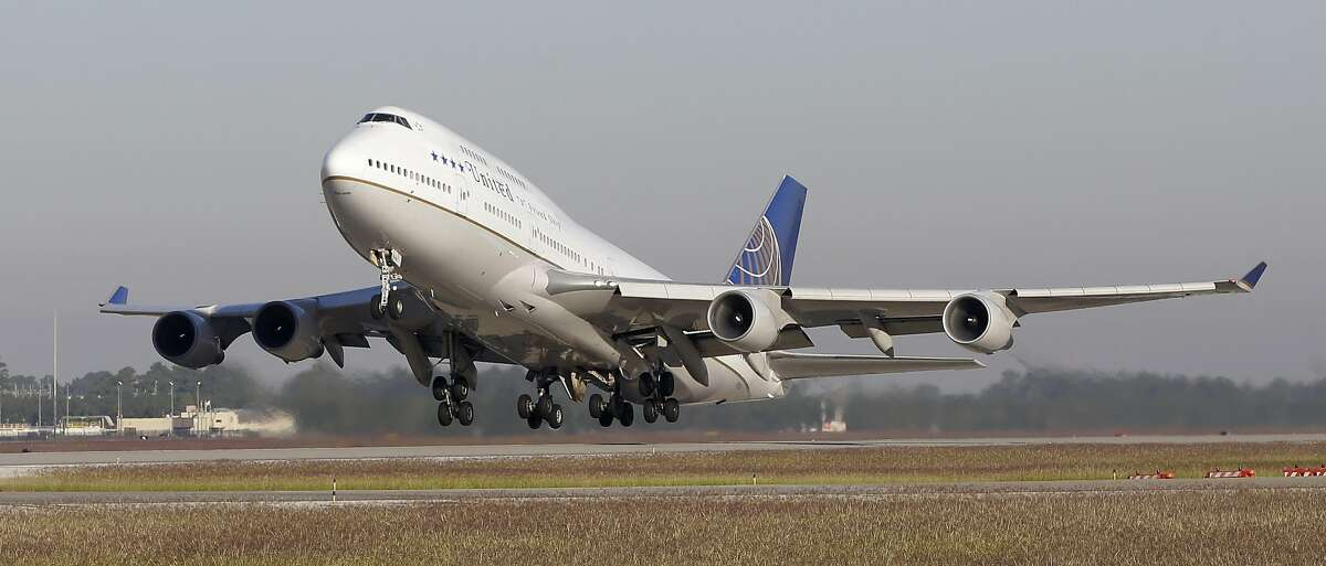 A United Airlines 747 takes off from Bush Intercontinental Airport on a farewell flight Wednesday, Oct. 18, 2017, in Houston. United Airlines is retiring its Boeing 747 aircraft. ( Melissa Phillip / Houston Chronicle )