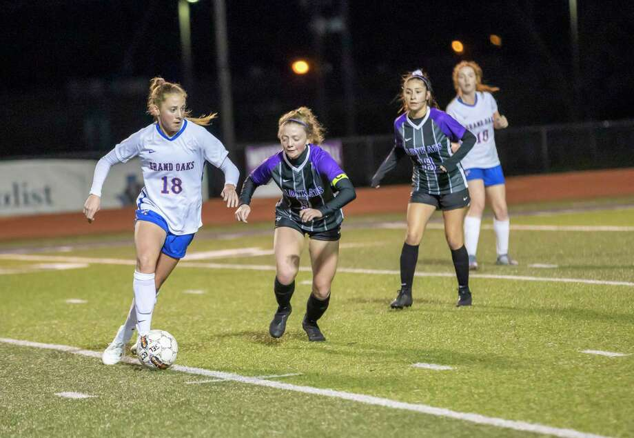 Grand Oaks midfielder Reese Rupe (18) scored the lone goal against Montgomery on Friday. Photo: Gustavo Huerta, Houston Chronicle / Staff Photographer / Houston Chronicle © 2020