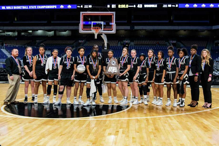 Woodville poses for a group photo after losing the 3A State Championship 43-61 to Shallowater at the Alamodome in San Antonio on March 7th, 2020.
