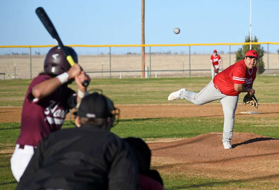 Lockney's Joshua Jimenez fires a pitch to the plate to Tulia batter Brayden Franco during their high school baseball game on Thursday, March 5, 2020 at Tulia as part of the Tulia Wooden Bat Tournament. Photo: Nathan Giese/Planview Herald