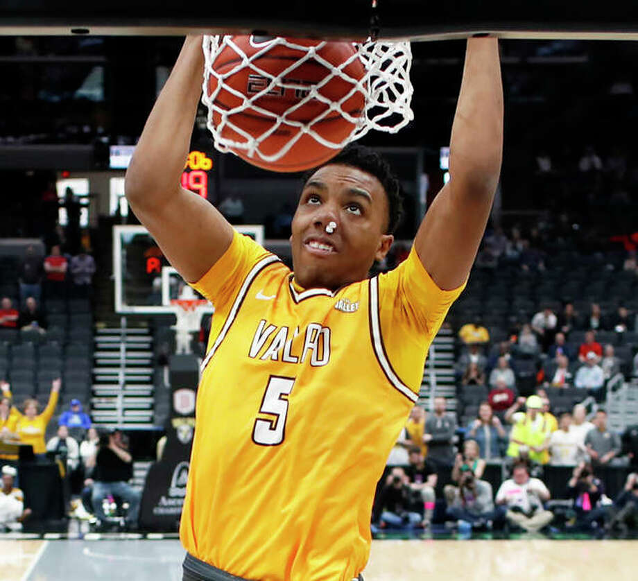 Valparaiso's Donovan Clay, a freshman from Alton, dunks Sunday during the Missouri Valley Conference Tourney title game in St. Louis. Photo: Associated Press
