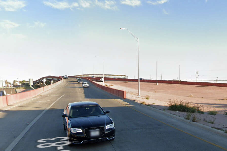 As a result of the accident, both east and west lanes of the Chihuahua and Guadalupe streets bridge were closed down. Photo: Google Maps/Street View
