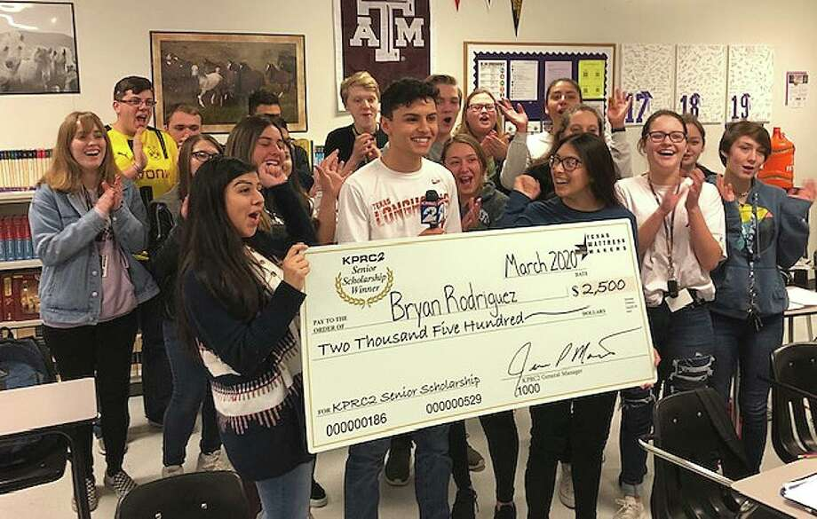 Bryan Rodriguez, surrounded by his classmates, received this $2,500 scholarship from KPRC-Channel 2 and Texas Mattress Makers. Photo: Submitted
