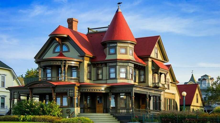 Click ahead to see more examples of Queen Anne Victorian homes. Photo: John Greim/LightRocket Via Getty Images