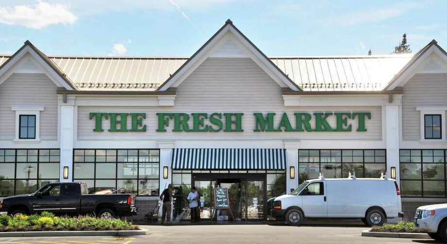 Entrance of The Fresh Market in Latham. (John Carl D'Annibale / Times Union) Photo: John Carl D'Annibale / 00009886A