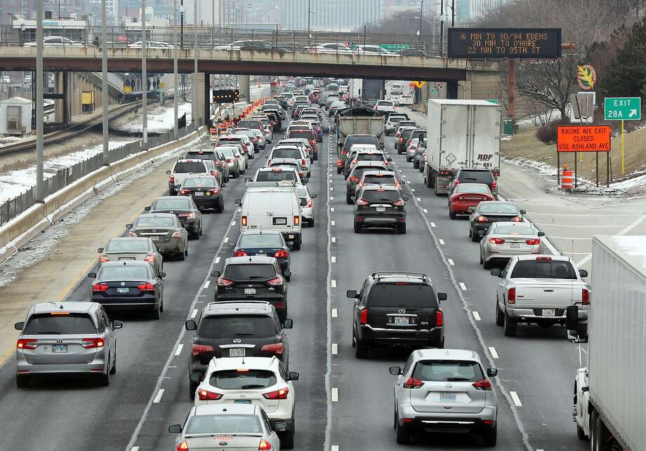 Fatal crashes spike by 6% during the workweek following the daylight-saving time change. Photo: Terrence Antonio James / Chicago Tribune 2019