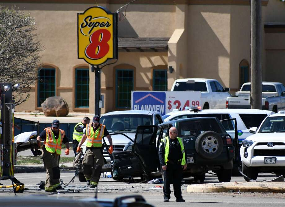 Two people were transported with non-life-threatening injuries to Covenant Health Plainview Tuesday afternoon following a wreck at the intersection of I-27 and Olton Road. Photo: Nathan Giese/Plainview Herald
