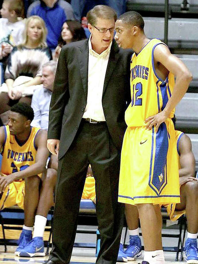 Vincennes University coach Todd Franklin talks to one of his players during a 2017 game. VU and John A. Logan College will advance to next week's NJCAA DIvision I National Tournament in Hutchinson, Kan. Photo: File Photo