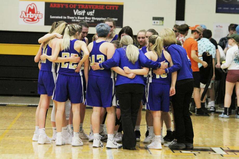 The Onekamagirls basketball team fell to Bellairein a regional semifinal on Tuesday, March 11, 2020. Photo: Dylan Savela/News Advocate