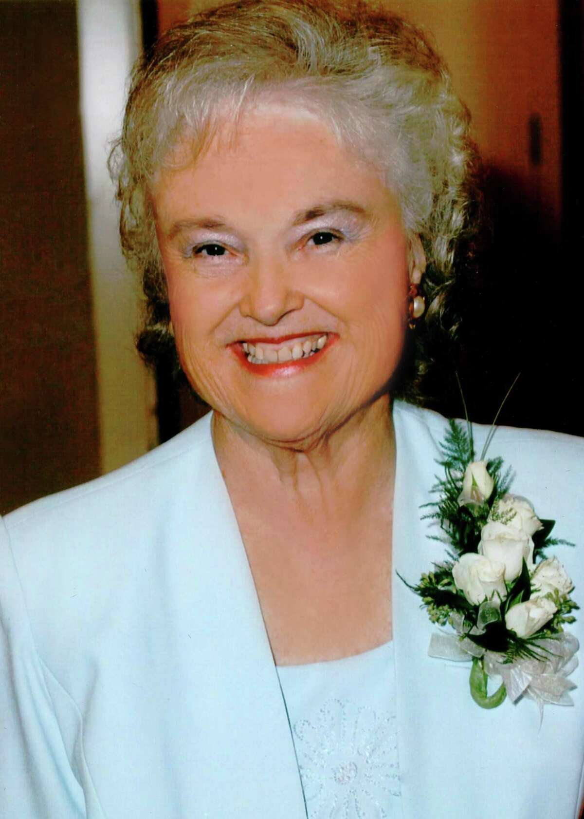 Louise McBee didn't seek to draw attention to her efforts over 57 years to help others in Deer Park, say friends and relatives remembering her after her death at age 88.
