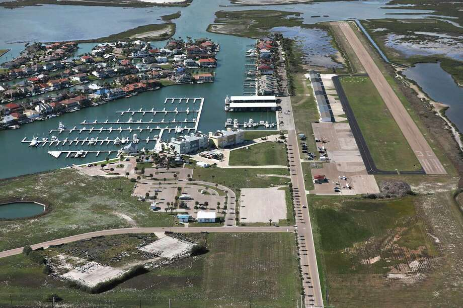 Mustang Beach Airport is located next to the exclusive Island Moorings community. Photo: Bob Owen / ©2020 San Antonio Express-News