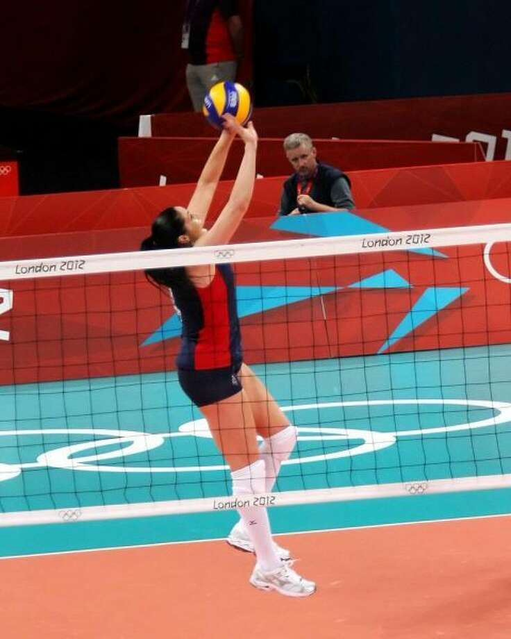 Olympian Volleyball player Lindsey Berg espouses one thing that she thinks all might agree on in the volleyball world. That there is a big possibility that a shorter/smaller setter will make faster moves to the ball. But that wouldn't be a good enough reason to choose a shorter setter over a taller setter because efficient footwork and reading can be taught to setters of all sizes. Photo: SportStars Magazine