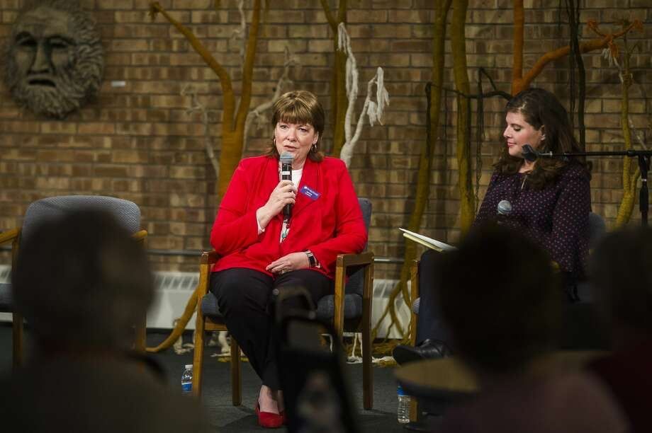 Shelterhouse Executive Director Janine Ouderkirk, left, speaks about the organization alongside Midland Daily News Editor Kate Hessling, right, during a community forum Monday, March 9, 2020 at Creative 360. (Katy Kildee/kkildee@mdn.net) Photo: (Katy Kildee/kkildee@mdn.net)