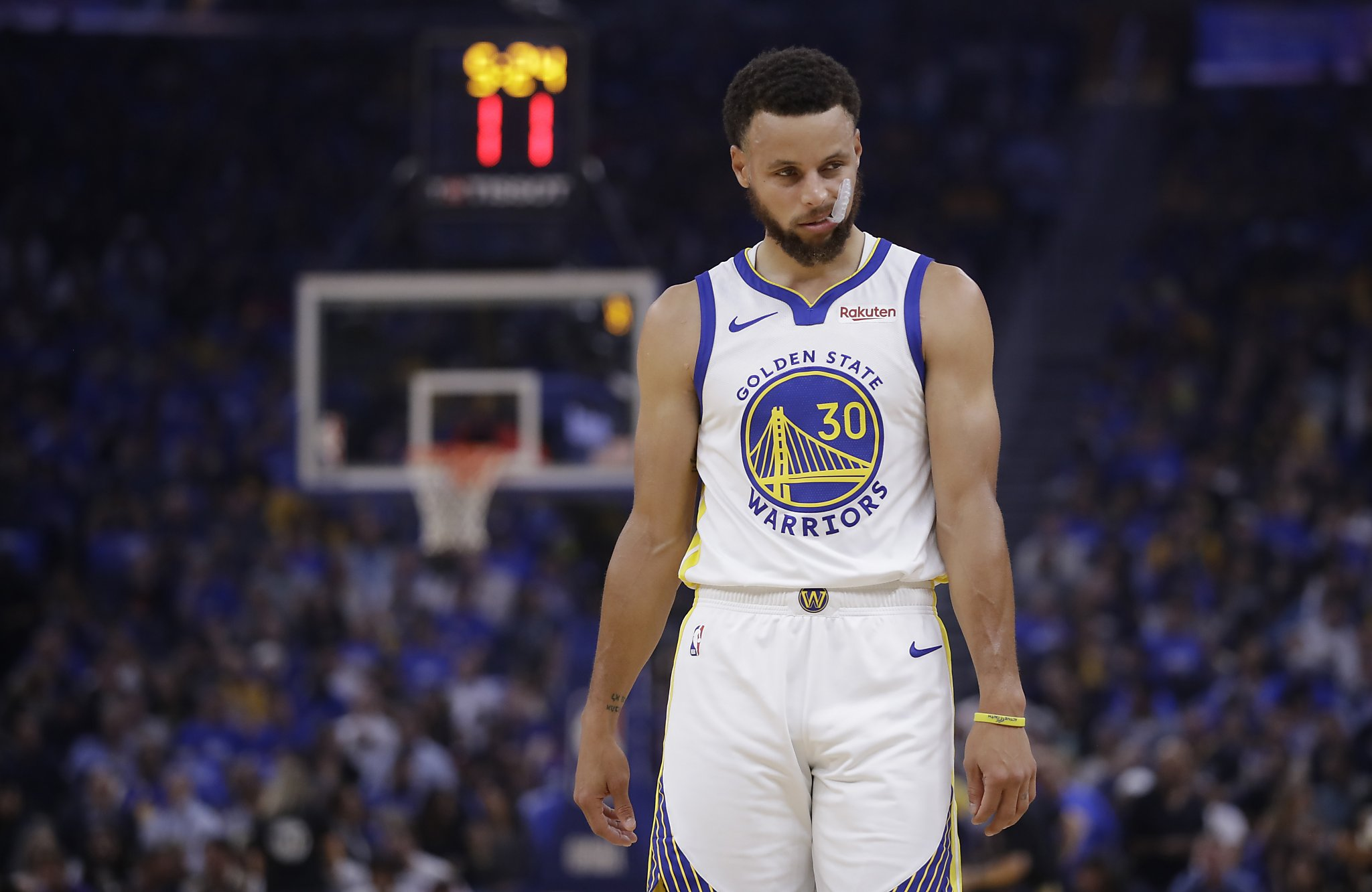Warriors star Stephen Curry will chat live with Anthony Fauci on Thursday