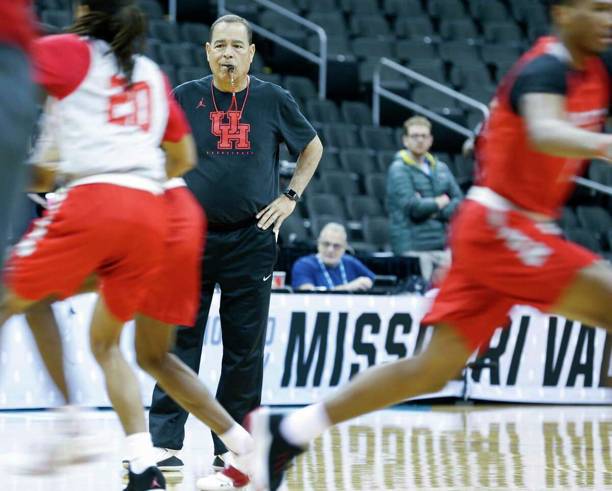 Kelvin Sampson and the Cougars will see empty stands in the NCAA tournament.