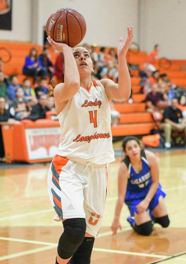 Evelyn Quiroz averaged 13 points, 5 rebounds, 2.5 assists and 2.6 steals per game in her senior season at United. Photo: Danny Zaragoza /Laredo Morning Times File / Laredo Morning Times