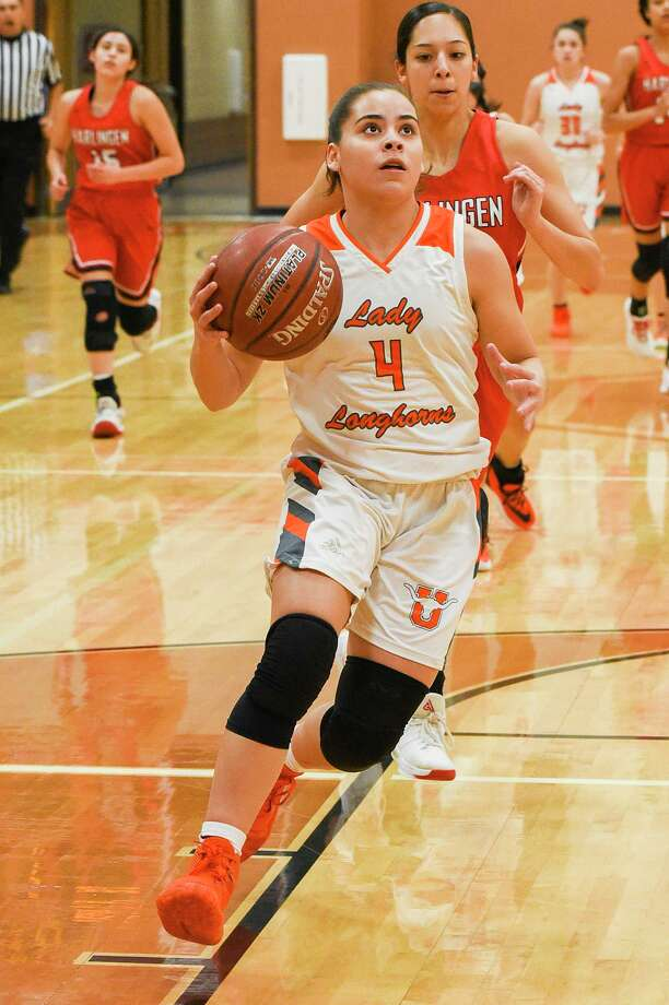The practice of the 2020-21 season for Evelyn Quiroz and United is at 6:30 a.m. on Wednesday. Photo: Danny Zaragoza /Laredo Morning Times File / Laredo Morning Times