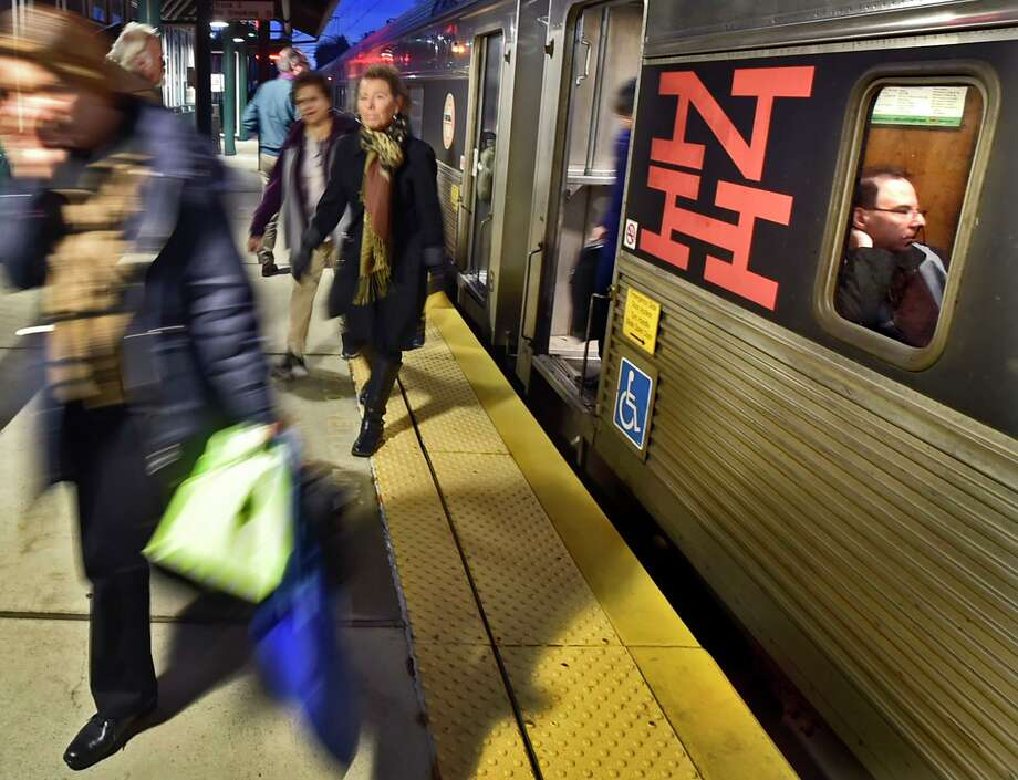 A Shore Line East Train arrives at the Branford train station. Photo: Peter Hvizdak / Hearst Connecticut Media / New Haven Register