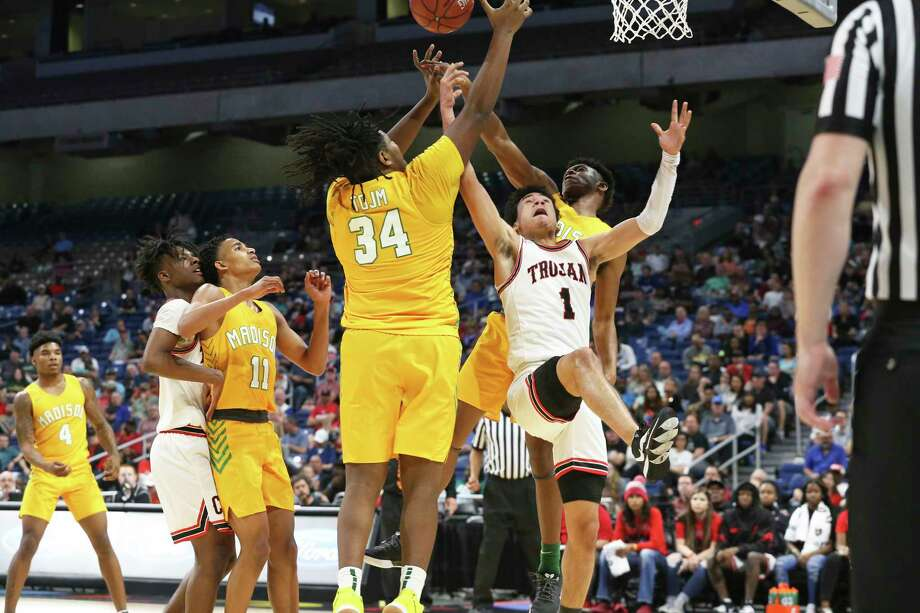 Crowds are usual strength during the class 3A state semifinal boys basketball game between Coldspring-Oakhurst and Dallas Madisonat the Alamodome on Feb. 12, 2020. Photo: Tom Reel, Staff Photographer / **MANDATORY CREDIT FOR PHOTOG AND  SAN ANTONIO EXPRESS-NEWS/NO SALES/MAGS OUT/TV