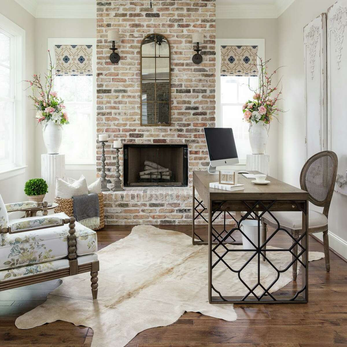 Interior designer Nikole Starr transformed this empty room into an at-home office.