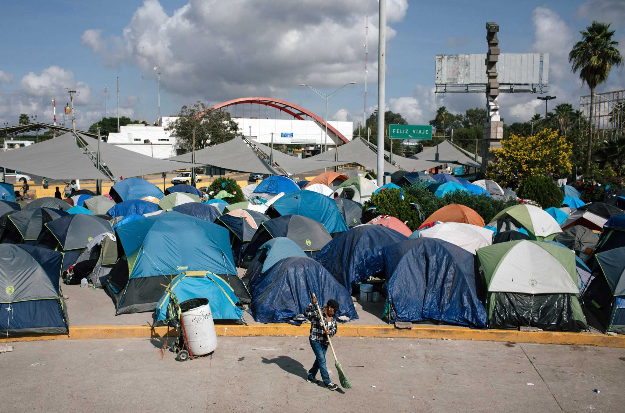Express Briefing: 'Remain in Mexico' migrants face mounting obstacles