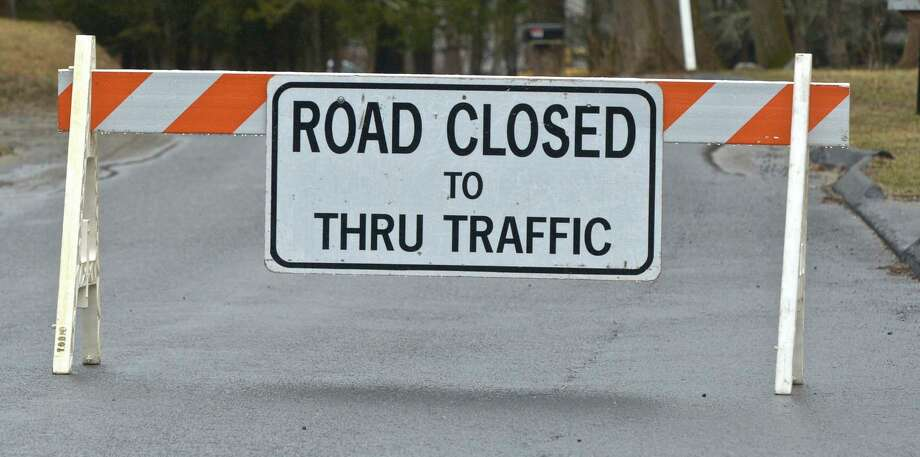 File photo of a road closure sign. This roadway is not Route 34 in Newtown, which is currently closed. Photo: H John Voorhees III / Hearst Connecticut Media / The News-Times