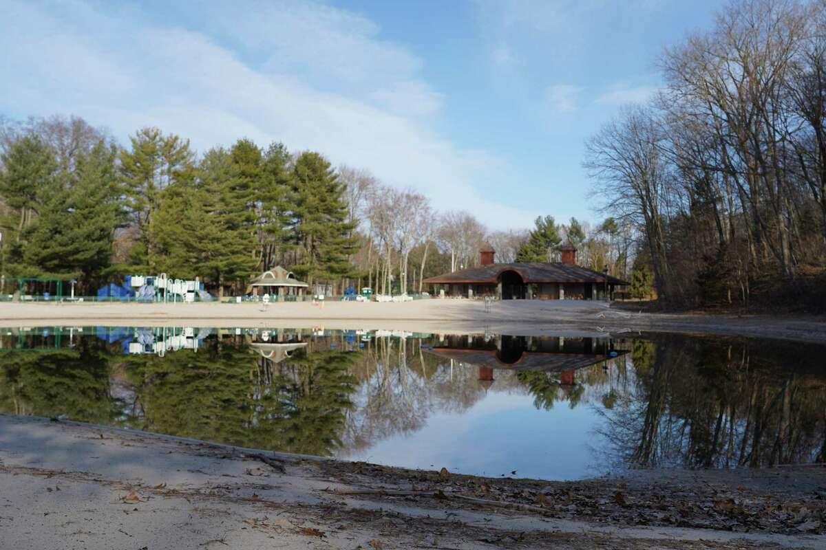 This letter writer gives his opinion about letting New Canaan residents use their end of the lake in the town's Kiwanis Park, while the New Canaan YMCA uses the other end of the lake for their Camp Y-Ki summer camp. The camp began on Monday, June 22, from 7:30 a.m. to 5:30 p.m., and goes until Monday, August 31, weekdays during the same time.