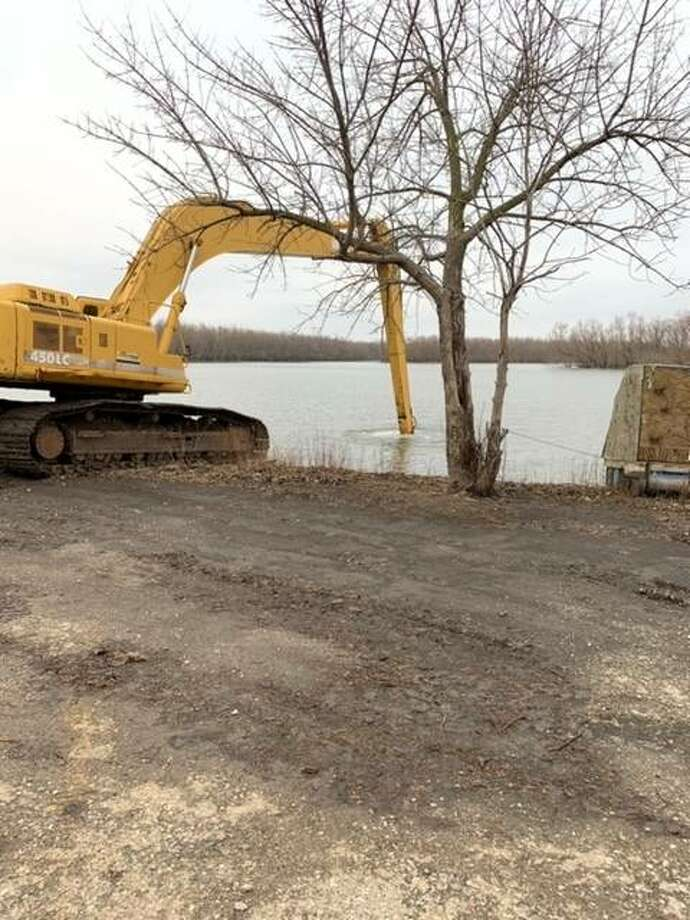 Dredging work has begun at the Beardstown marina.