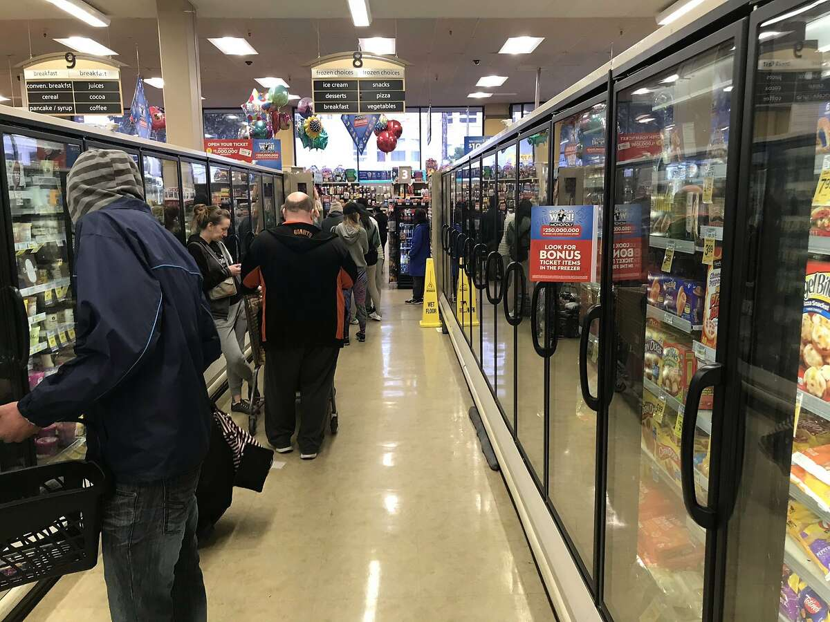 Checkout line in Safeway at Taraval and 17th