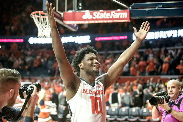 Illinois' Andres Feliz celebrates a victory over Iowa in an NCAA college basketball game last Sunday in Champaign.