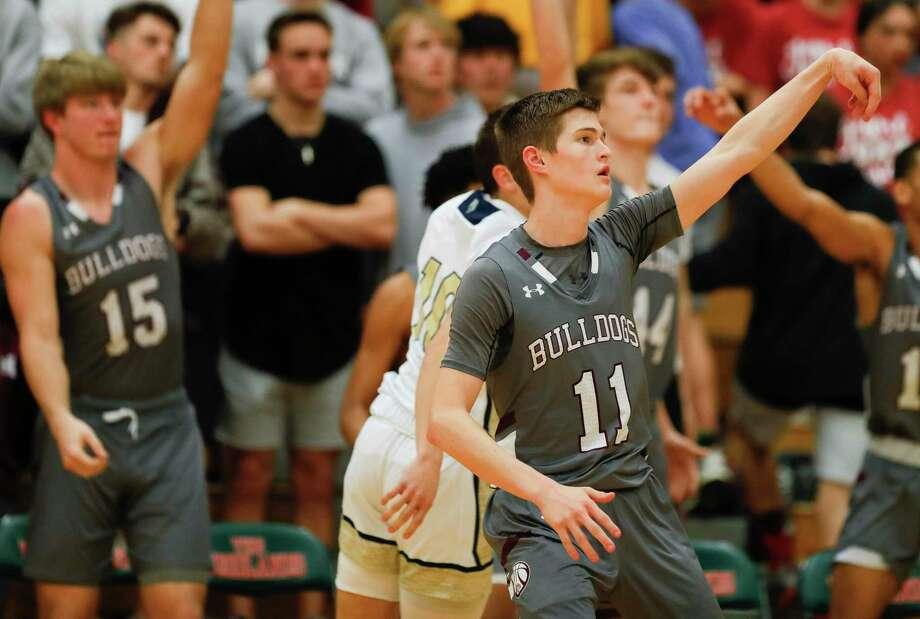 Magnolia's Connor Lindvall (11) scored 18 points against Conroe on Friday. Photo: Jason Fochtman, Houston Chronicle / Staff Photographer / Houston Chronicle © 2020