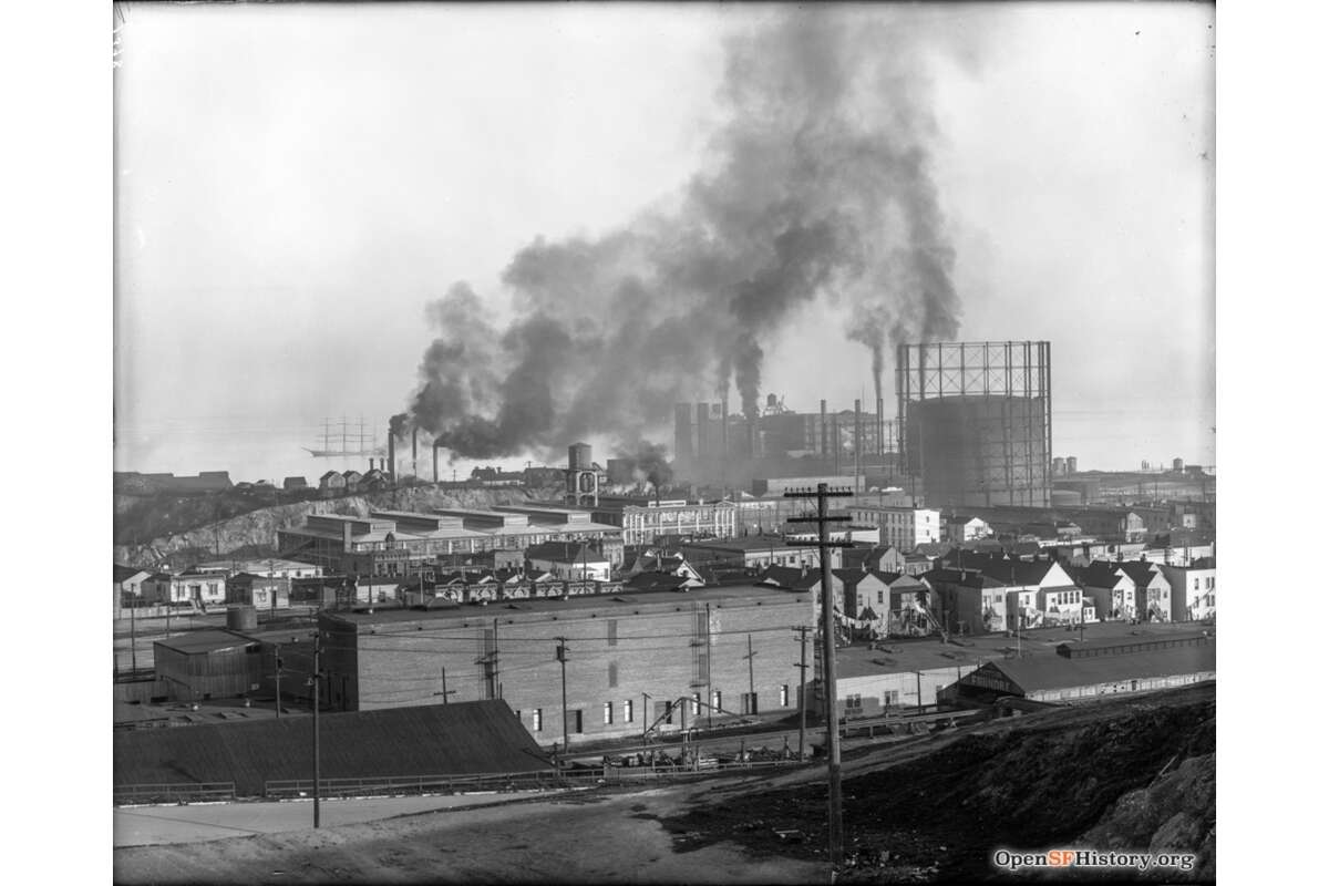 Union Iron Works on Irish Hill in San Francisco in the early 1910s.