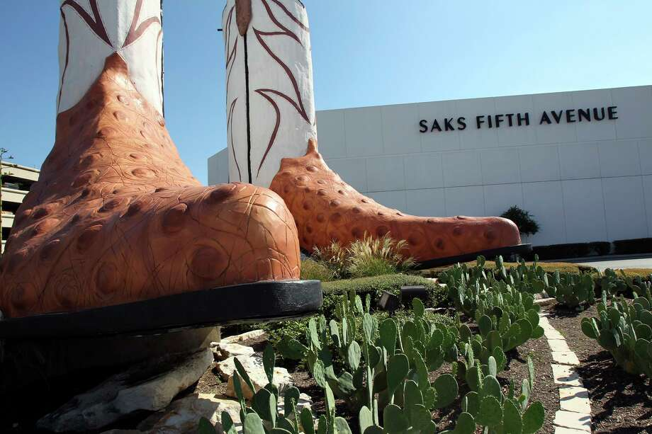 The famous boots near Saks Fifth Avenue at North Star Mall on September 16, 2010. Tom Reel/Staff Photo: TOM REEL, STAFF / SAN ANTONIO EXPRESS-NEWS / © 2010 San Antonio Express-News