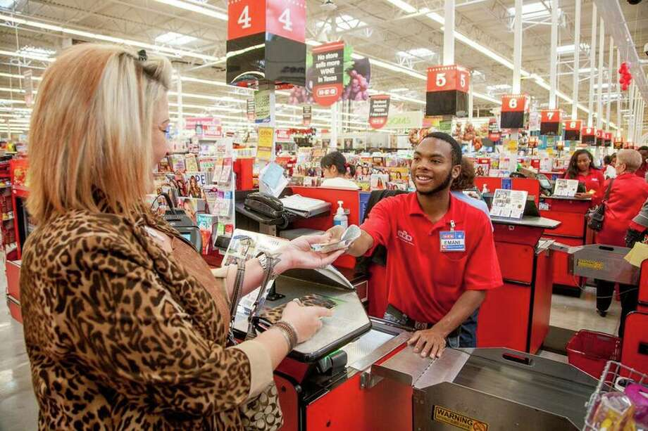 H-E-B is offering short-term work opportunities as the country grapples with the effects of coronavirus. New temporary job opportunities were posted Sunday for overnight stockers, daytime stockers, customer service assistants or baggers and checkers in San Antonio, Austin, Houston and North and West Texas.  Photo: Courtesy, H-E-B