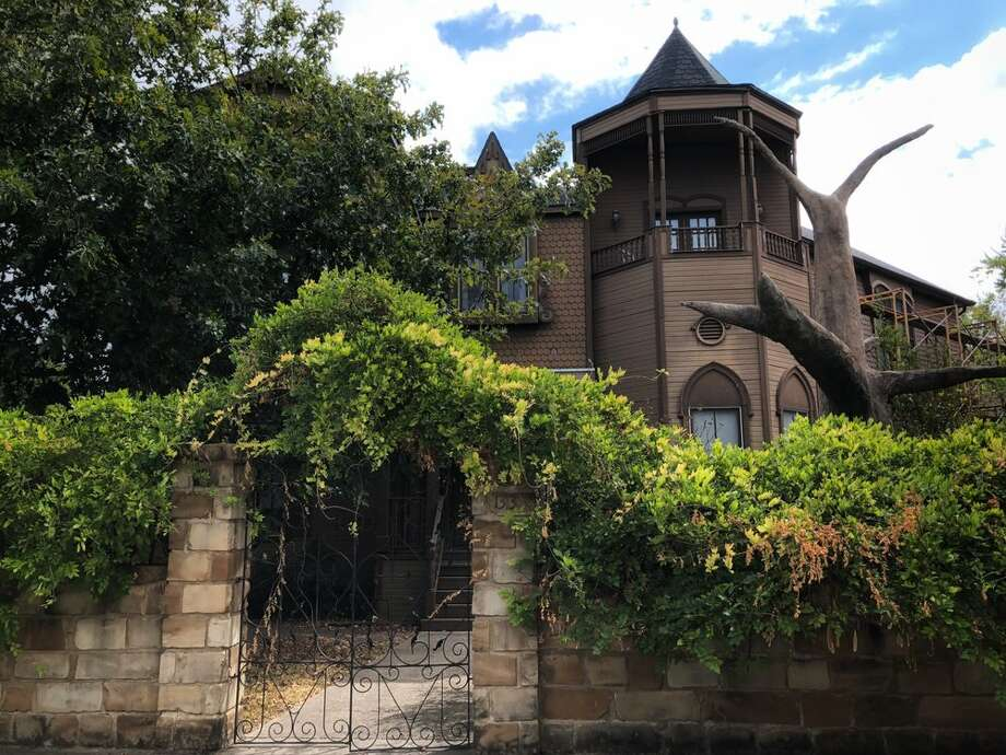 The Munster MansionWaxahachie, TX