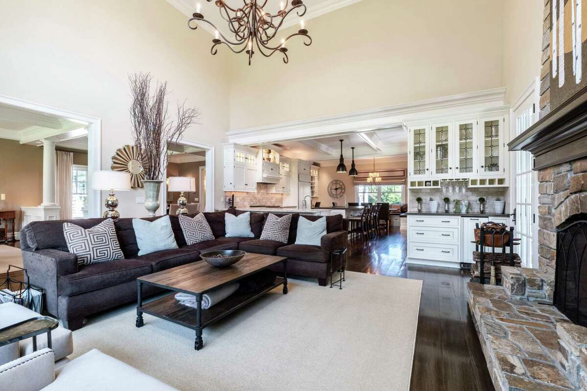 great or family room off kitchen