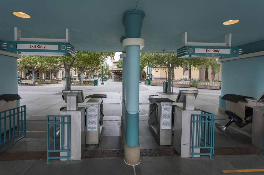Disney California Adventure stands vacant on the first day of the closure of Disneyland and Disney California Adventure theme parks as fear of the spread of coronavirus continue, in Anaheim on Mar. 14, 2020. Photo: DAVID MCNEW/AFP Via Getty Images