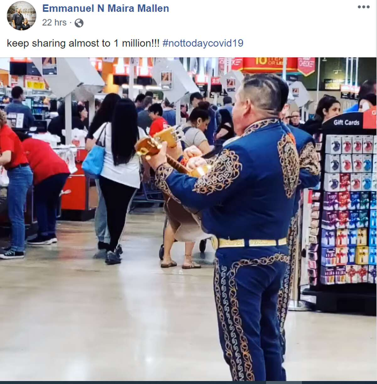 A Texas couple hired a Mariachi group to play for a crowded H-E-B in San Antonio, TX to ease tensions amid COVID-19 concerns.