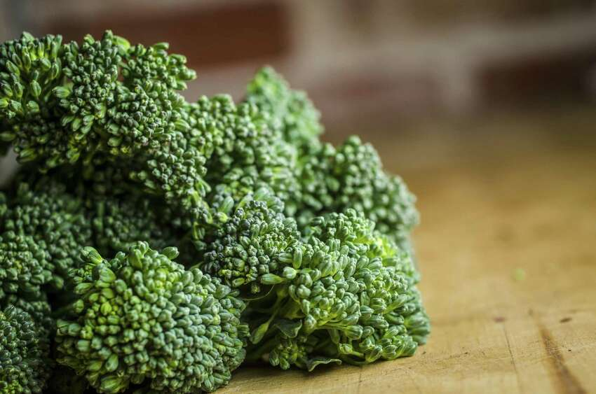 Broccoli, Frozen Defects: Insects and mites - Average of 60 or more aphids and/or thrips and/or mites per 100 grams. Significance: Aesthetic