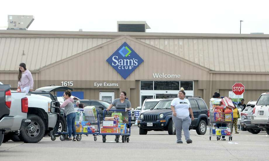 The lot is full at Sam's Club in Beaumont as shoppers hit local retailers to stock up in preparation for the potential spread of the coronavirus and quarantine conditions. Photo taken Friday, March 13, 2020 Kim Brent/The Enterprise Photo: Kim Brent / The Enterprise / BEN