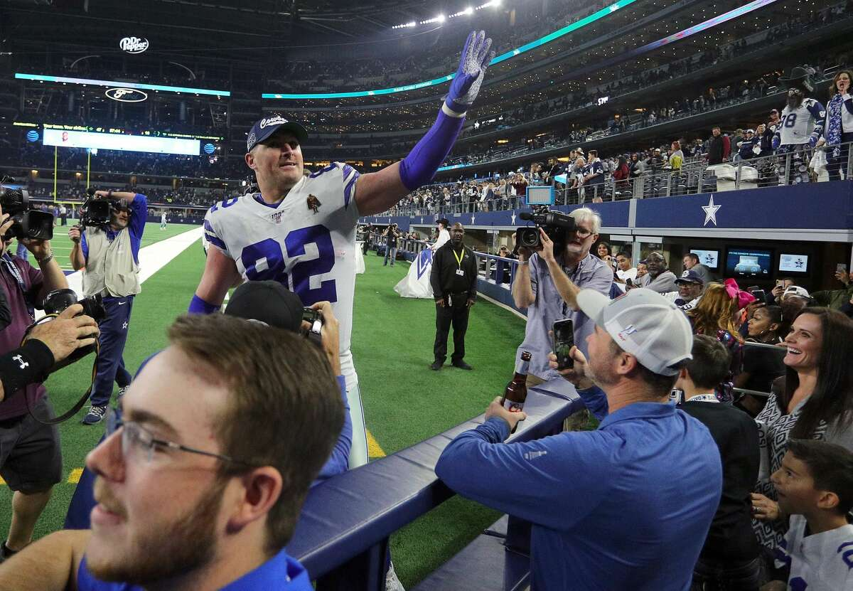 PHOTOS: NFL free agent tracker Jason Witten of the Dallas Cowboys waves to fans as he leaves the field after the game against the Washington Redskins at AT&T Stadium on December 29, 2019 in Arlington, Texas. Browse through the photos above to see the best free agents still available and how much money the other free agents have signed for ...