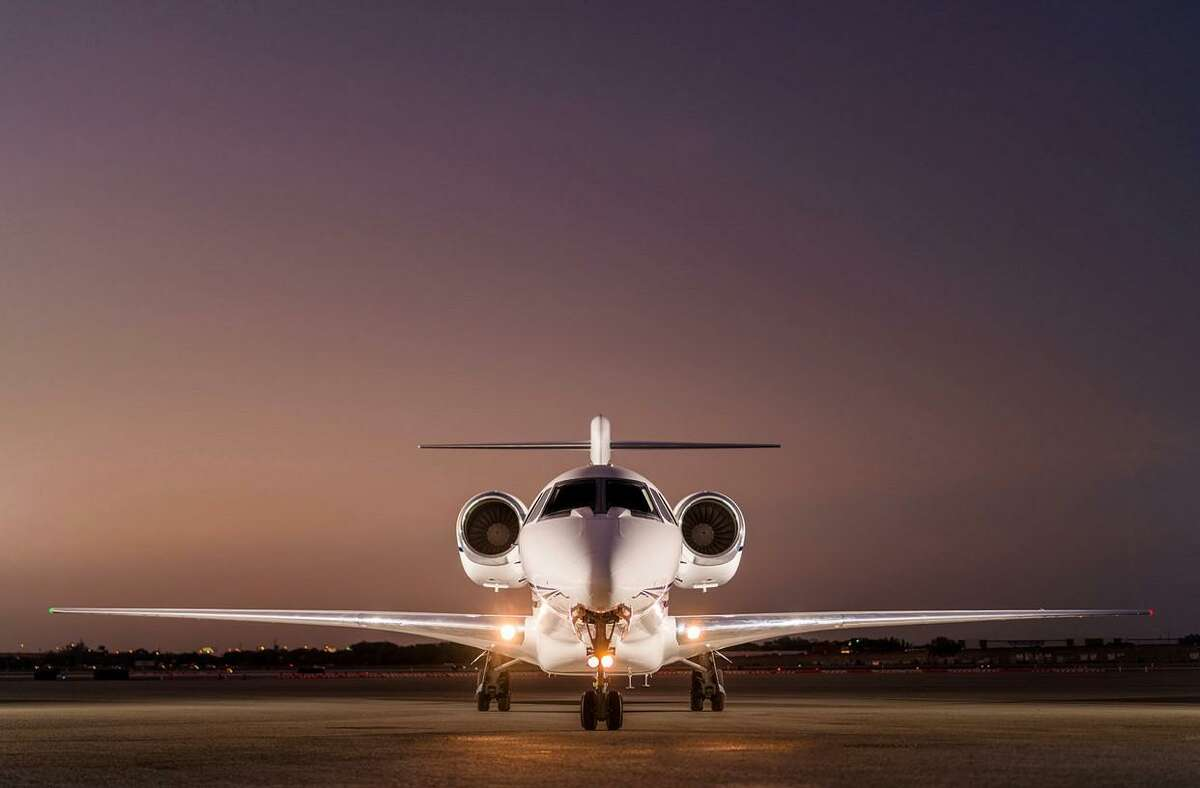 >>> While much of Houston faces the coronavirus by stocking up on toilet paper and hunkering down at home, some high earners are chartering planes and hiring private chefs ...