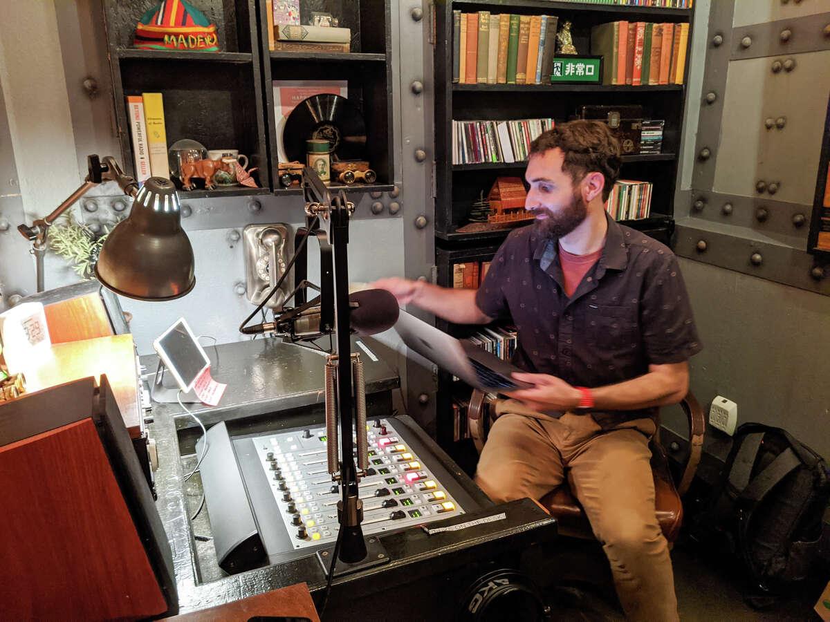 Bff.fm streams internet radio show