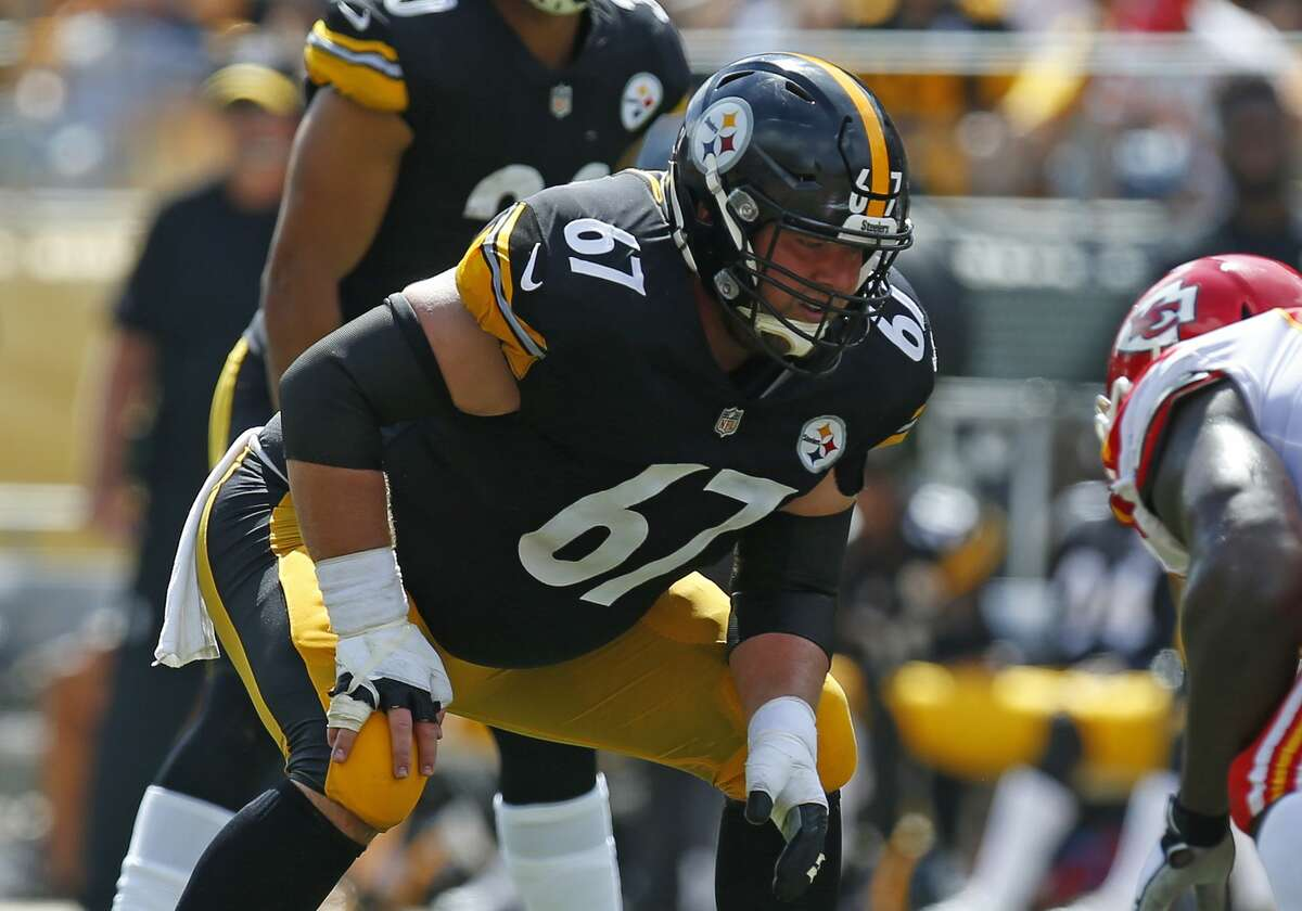 The Seattle Seahawks and former Steelers offensive lineman B.J. Finney have agreed on a two-year deal worth up to 9.5 million, according to multiple reports.