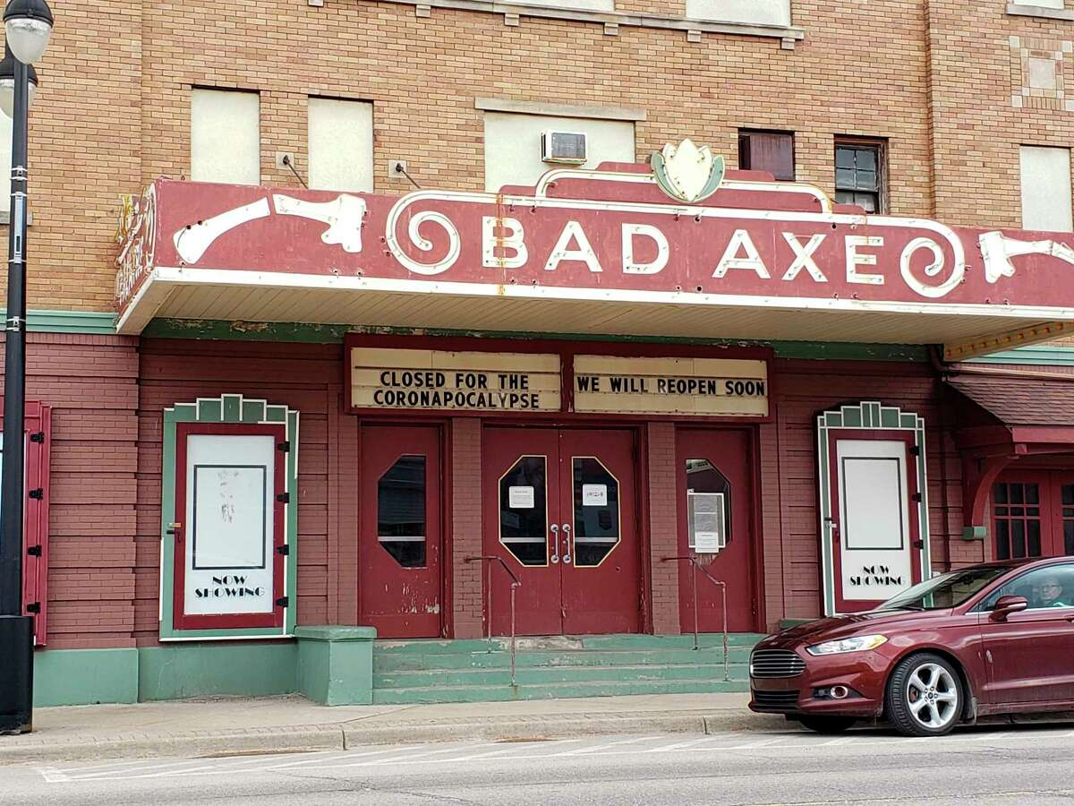 """The Bad Axe Theatre notes its closing for the """"coronapocalypse"""" Tuesday afternoon. (Robert Creenan/Huron Daily Tribune)"""