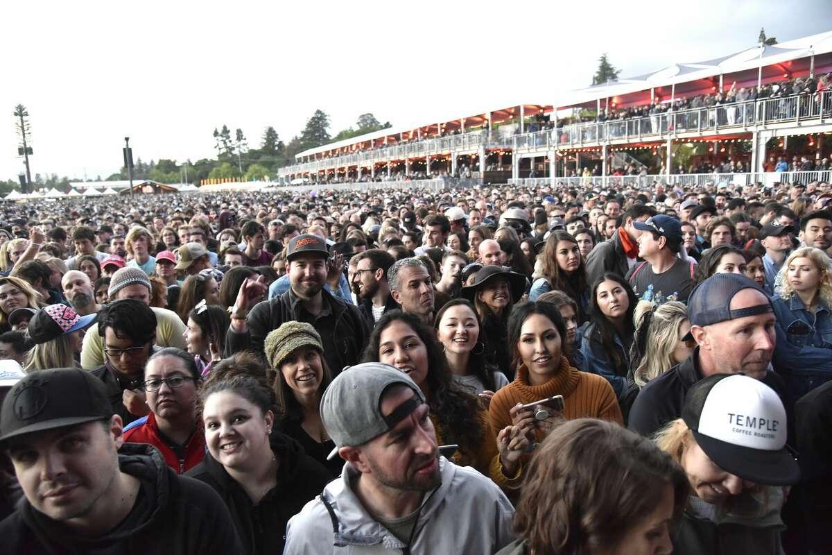 NAPA, CALIFORNIA - MAY 26: Atmosphere as Mumford & Sons perform during BottleRock Napa Valley 2019 at Napa Valley Expo on May 26, 2019 in Napa, California. (Photo by Tim Mosenfelder/Getty Images)
