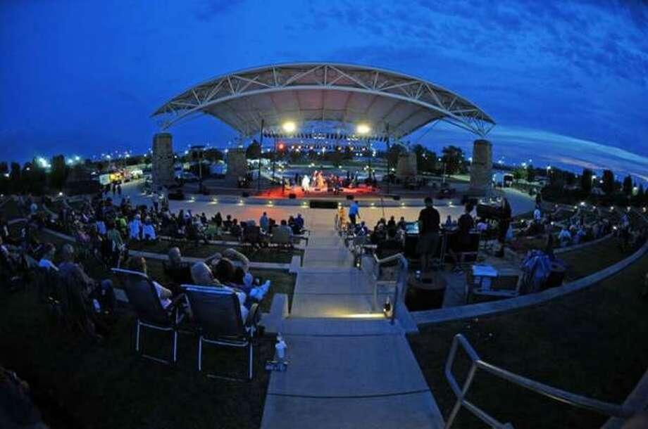 A crowd enjoys a leisurely evening at Liberty Bank Alton Amphitheater. Photo: Telegraph File PhotoNathan Woodside | Telegraph File Photo