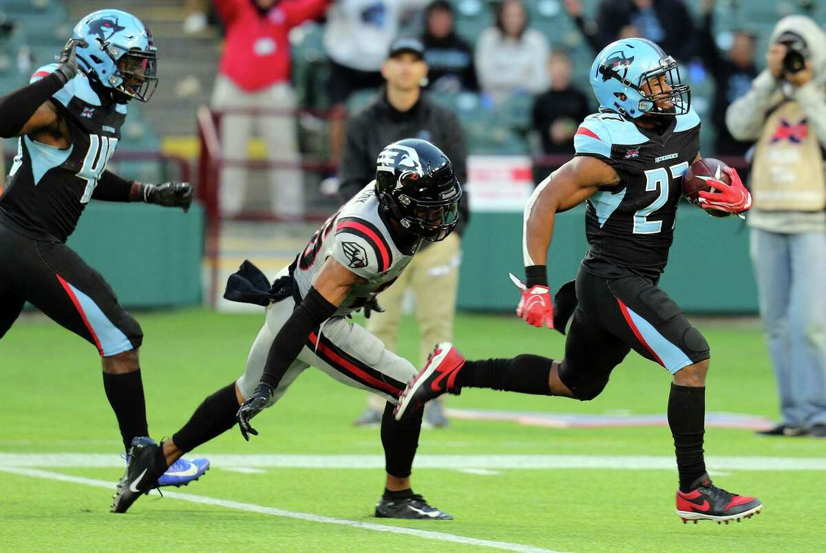 Austin Walter's XFL highlights included this 97-yard kickoff return for a touchdown against the New York Guardians.
